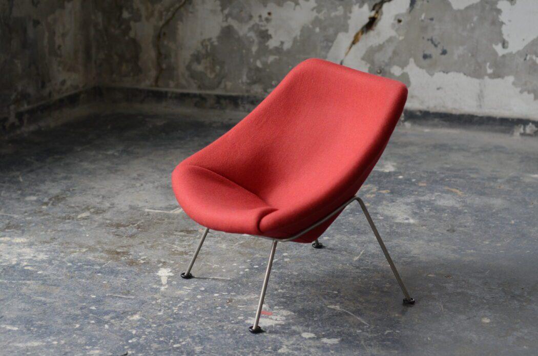 Herstofferen Oyster Chair